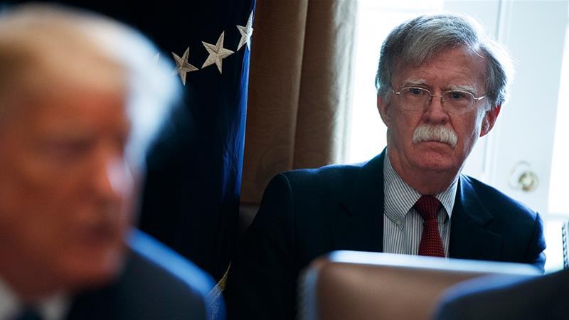 الولايات المتحدة تحذر روسيا والآخرين من إرسال قوات إلى فنزويلا