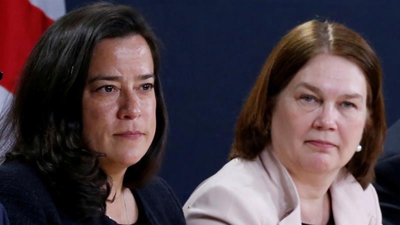 رئيس الوزراء الكندي يطرد الوزراء السابقين في محاولة لإنهاء أزمة الحزب الليبرالي