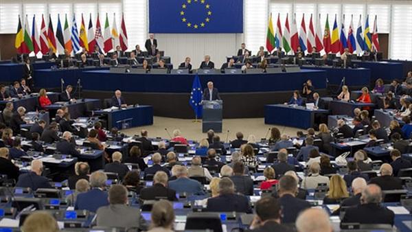 """انتخابات البرلمان الأوروبي: لأول مرة منذ 40 عاماً.. هيمنة """"اليمين المتطرف"""""""